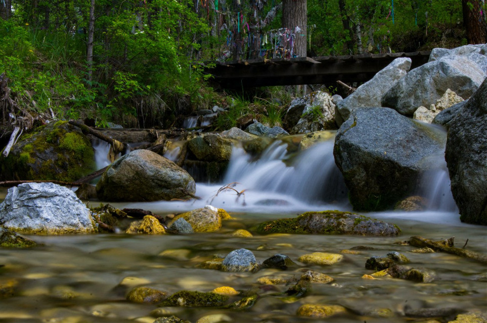 #wppnature #nofilter #water #nature #waterfall #green #stones #bridge #slowshutter  #nature  #colorful #emotions #nature #photography #wave #yellow #NinaRaccoon