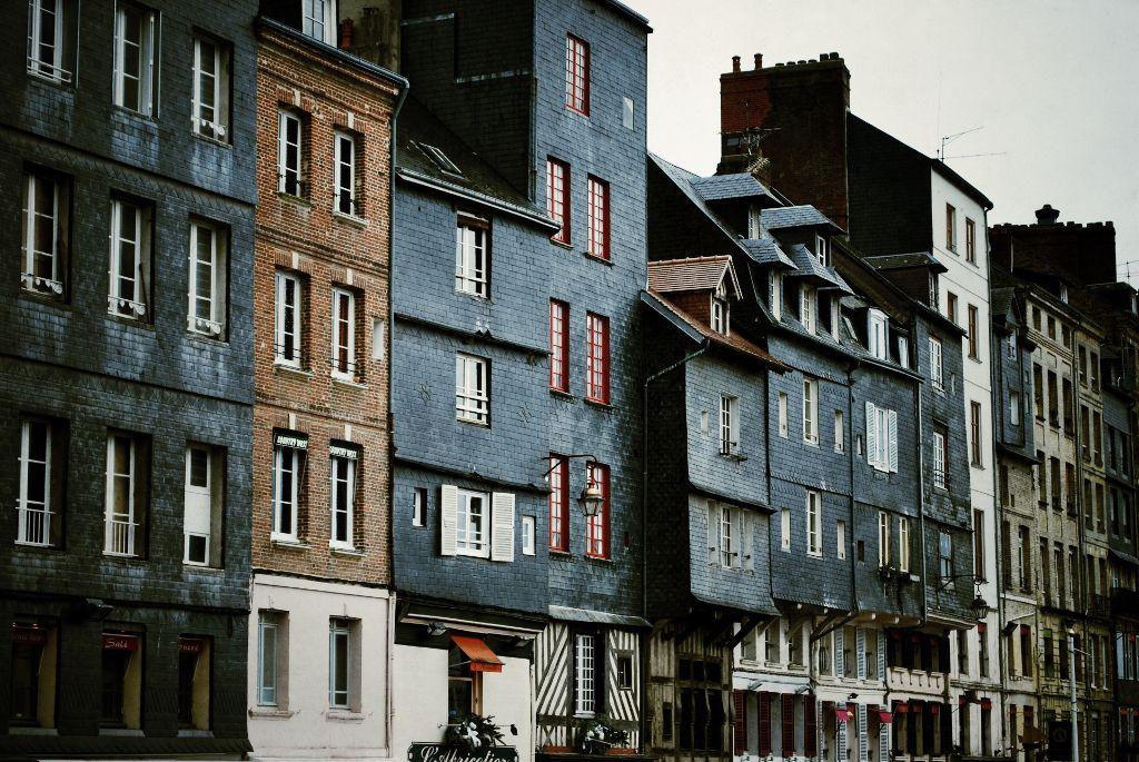 #Honfleur #bretagne #france #medieval #history #travelling #tourism