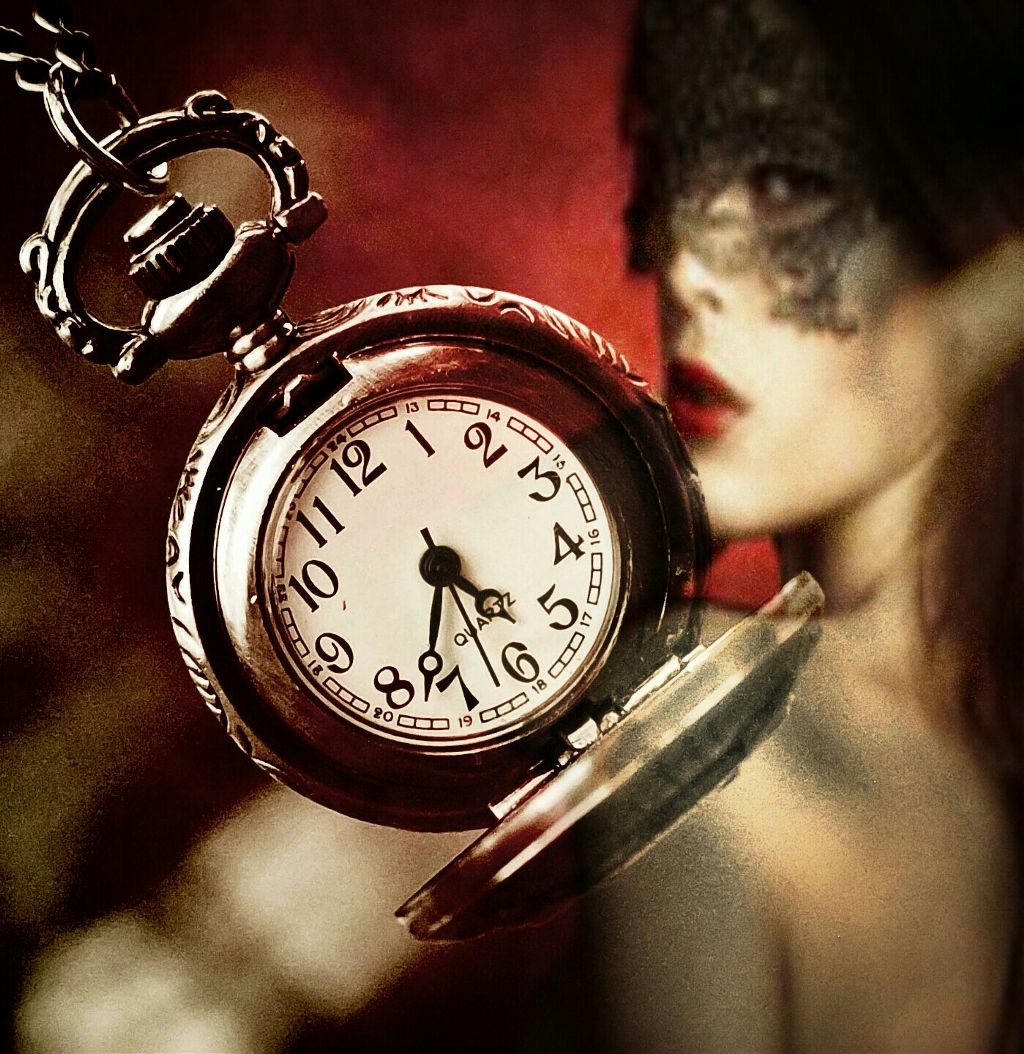 #Clock #woman #mask #vintage  #freetoedit    Good night friends😘