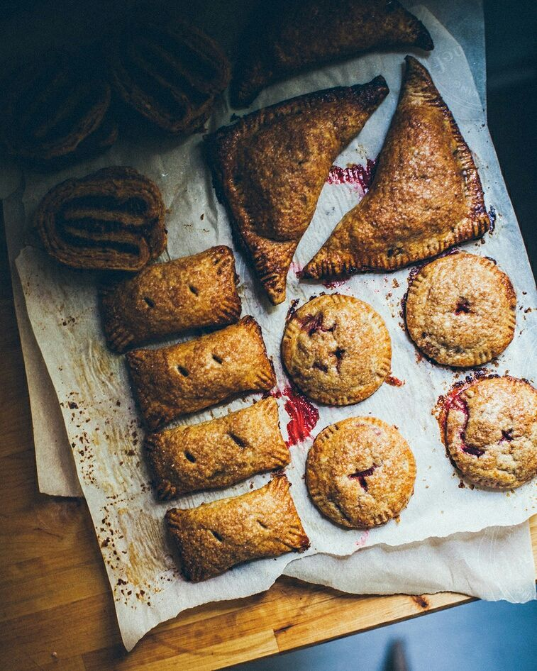 Seasonal spelt turnovers with some seasonal fruits