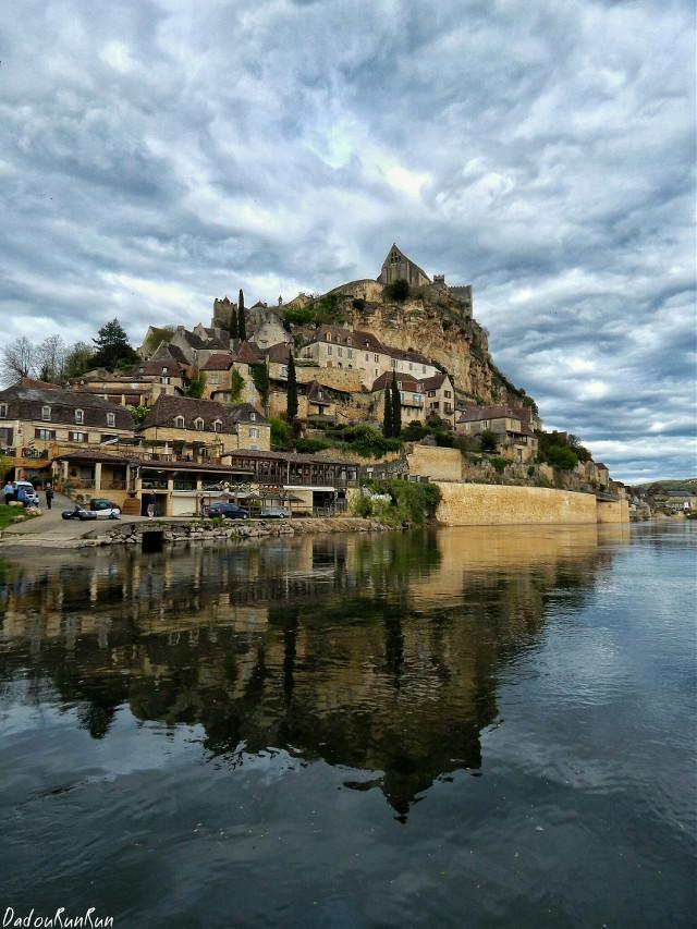 "France... Beynac ""Dordogne 24""  Hello 👋 PICSART!!! 😉😆  My Page Facebook : Dadourunrun-Buena-PicsArt    #france #travel #FreeToEdit #cloud #colorful #emotions #cute #love #architecture #sun #sea"