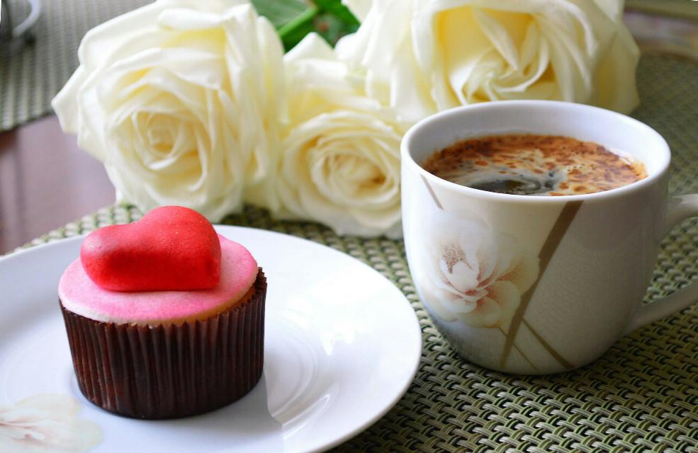 #food #breakfast #flower #cake #coffee