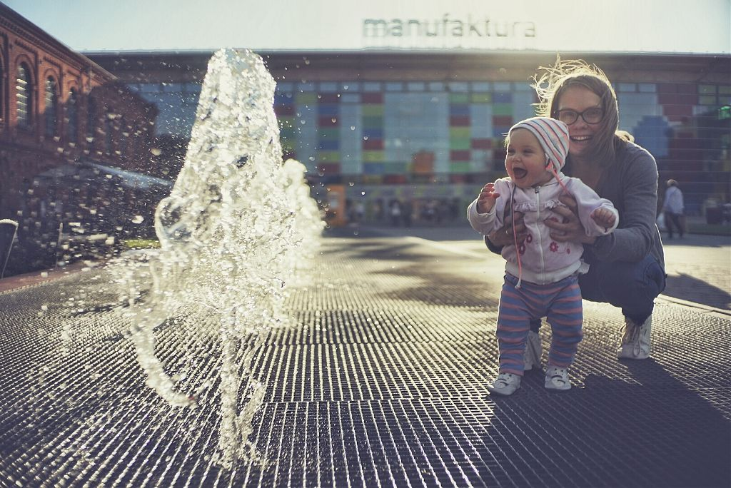 Fountain fun! #baby #bokeh #colorful #colorsplash #cute #emotions #people #spring