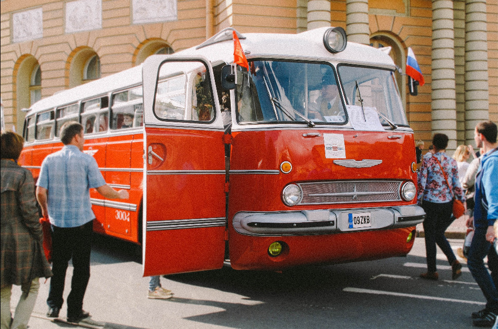 #cars #colorful #photography #retro #people #vintage #SaintPeterburg #memorial #oldphoto #bus #russianbus #retrobus